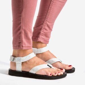 Teva Women Silver Metallic Shimmer Sandals Strap 6